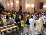 Jóvenes dicen presente en la Misa Crismal